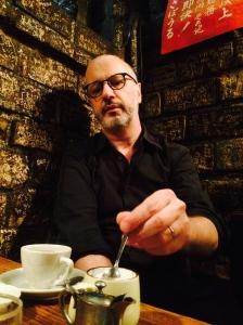 En una cafetería de Jimbocho.  Foto: Gregory Zambrano