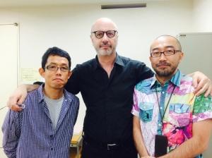 Rodrigo Fresán con los traductores Ryukichi Terao (izq.) y Akifumi Uchida (der.)